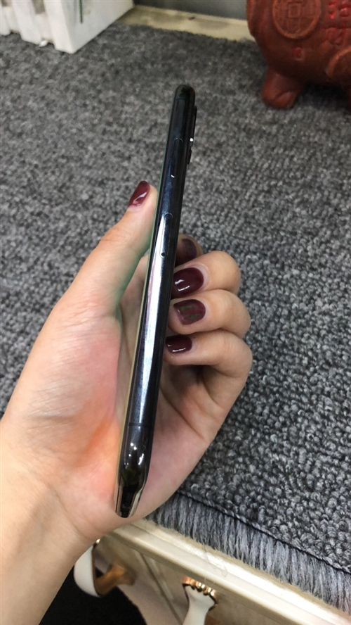 蘋果x黑色256g成色99新,原屏原機,無拆無修,價格2999