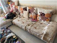 家用沙發出售,送電視柜和茶幾,需要自行運走,地址春輝時代金地(福緣二期C區)