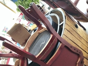 饭店铁锅炖桌子椅子一套