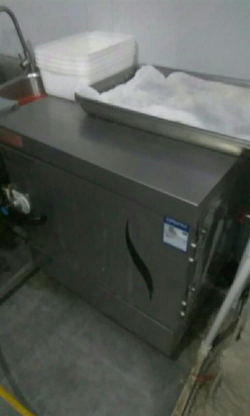 全自動電蒸箱,使用方便,蒸米飯等使用,四盤,每盤七斤米,幾乎**。
