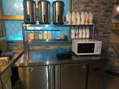 奶茶设备,肯德基门,沙发,茶几,圆床,都是九成新。