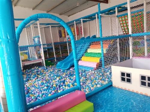 天津市寶坻區。低價出售80平左右淘氣堡,兒童游戲機,兩臺抓娃娃機,悠悠車。