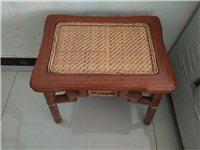 實木茶海桌一套,桌子一張,圈椅一把,方凳3個,九成新,需要的聯系