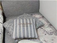 朗薩單個沙發,可當床,原價1380元,現家里多余閑置,需要的可以上門自提,地址:貴陽市觀山湖區世紀城...