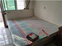 床很新没用过,需要自己拆装拉走,位置在贸易南街,价格面议18031158192