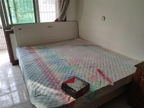 床很新沒用過,需要自己拆裝拉走,位置在貿易南街,價格面議18031158192