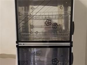 展示柜,消毒柜,四眼灶,汤桶30cm**的用了十天左右出售。