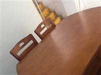 实木餐桌加6张实木椅子,95成新,去年新买的,一直罩桌布使用,保护比较好,现1500元一套出售,非诚...