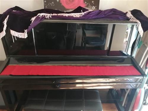 依巴赫的钢琴买来一年多跟新的一样。