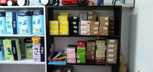 母嬰店撤店,還剩一部分貨架衣架和射燈處理,價格低!
