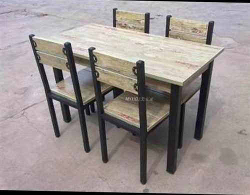 四套快餐店桌椅,一直闲置没用过,