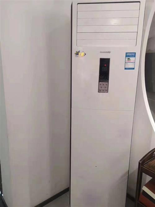 因店面裝修升級,兩臺大三匹空調柜機處理,有需要的及時聯系,手快有,手慢無