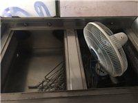 出售奥尔良烤炉煤气炉跟上面一个架子连一起也可分开,有兴趣私聊
