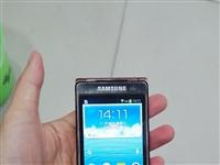 三星當年的旗艦手機,w2013,手機沒有任何問題,正常使用,雙卡手機一個支持cdma,一個支持gsm...