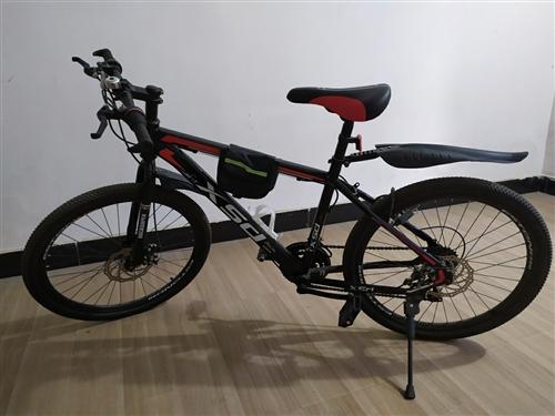 自行車97成新。工作原因比較少騎。買回來只騎了三次。配鎖。200多出。要的聯系我
