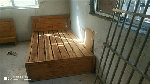 九成新木床便宜處理80元