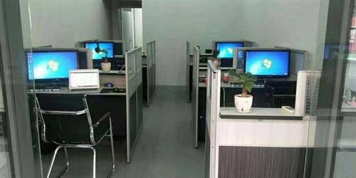 公司倒閉有臺式電腦和筆記本電腦轉讓:臺式950一臺,筆記本1580一臺,原價五千多,有的使用不到一年...
