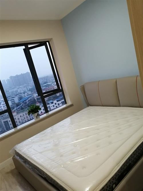 滨江1号,小三室,85平,厨房阳台是赠送面积。精装修,家具家电齐全。欢迎开房,14楼