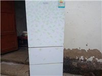 出售二手三門冰箱,需要的自提,地址:青龍
