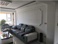 九成新布艺沙发,因换新,便宜出售。