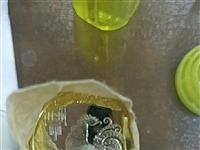 鸡年生肖纪念币,**,可单个可成卷,单个赠送收藏盒,成卷赠送收藏筒。单卖11元每个