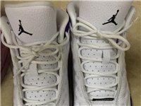 出售一双AJ13 紫金湖人女鞋 36.5半,1005元,图二里面是3D的投篮人像,特别帅气,有意向者...