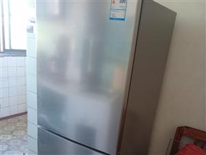 美的冰箱,在永�家���I,原�r1299,用了一��多月,因要搬家,�F�r800�理!