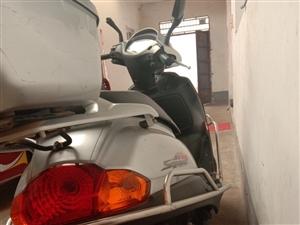 本人有一辆豪爵宇钻125摩托车七八成新,因本人有时候再外地干活,车在家里闲置,现在便宜处理1500有...