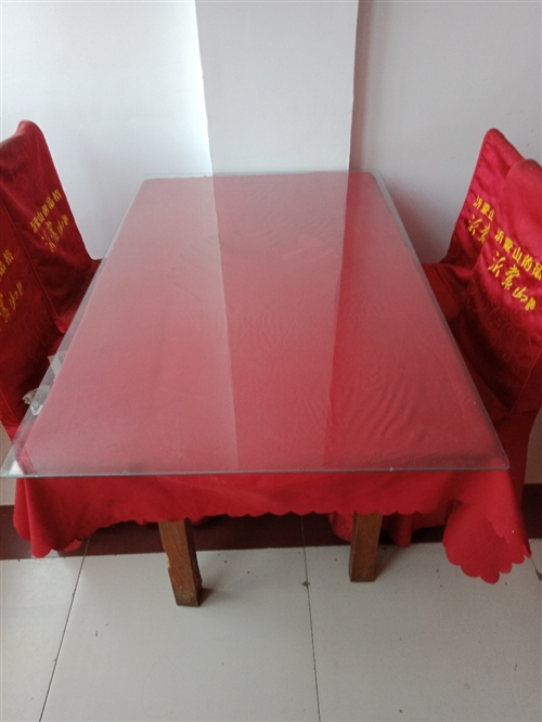 飯店餐桌帶椅子260元一套