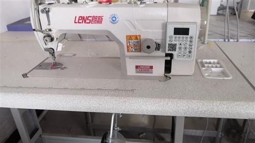 處理四自動電腦平車縫紉機9.9成新,輕快好用,可加工服裝窗簾蚊帳玩具等。