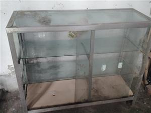�e置玻璃柜 木柜 在�_��街上 �o���t包就�ё� 有�d趣的朋友�系我 微信��同�