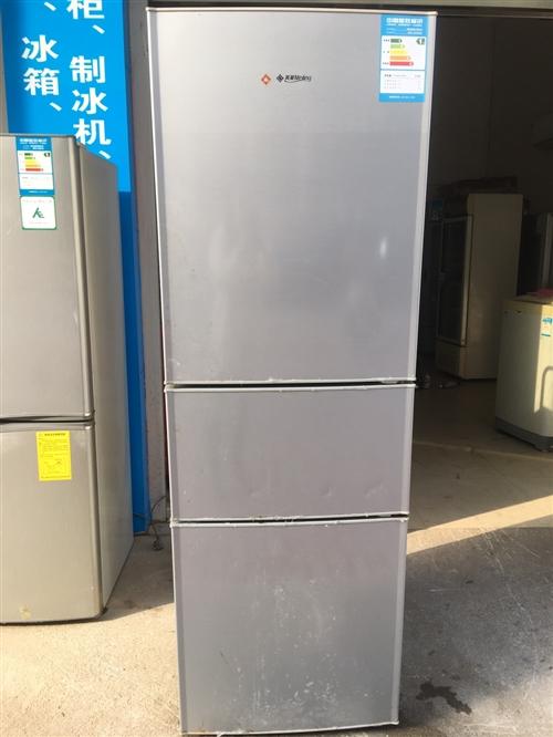 八成新家庭冰箱转让,正常使用,在环城西路亿多超市对面