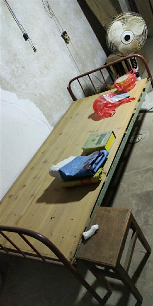 低價賣1米寬單人鐵床整套