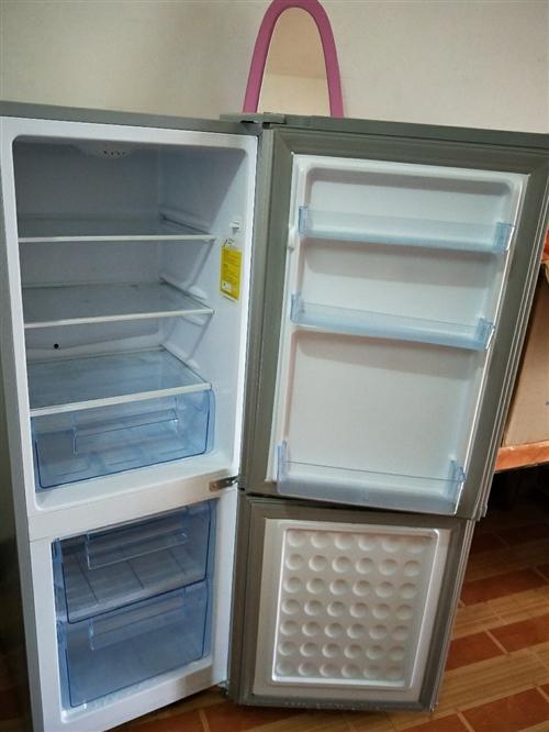 冰箱是孩子在四冲湾清江中学上初中租房子时买的新冰箱,使用了3个月,现在便宜卖。