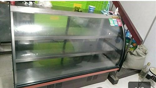 凉菜展示柜一台九成新 18年买的 刚用一年 现在自己不做了 低价转让 有需要的联系