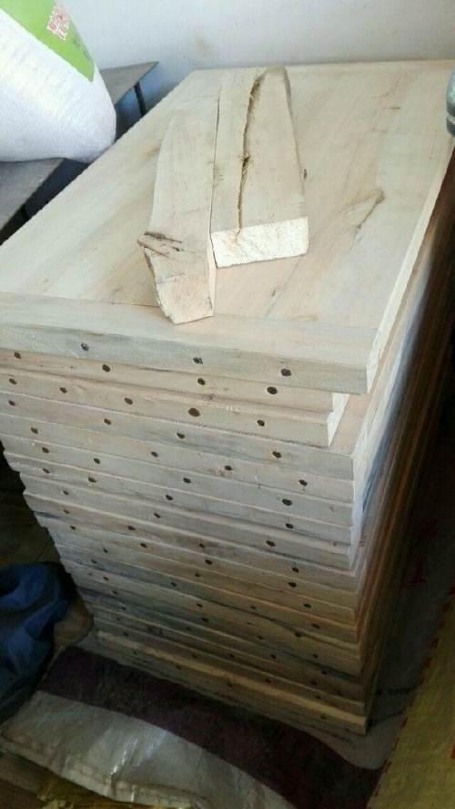 各位乡党朋友,谁家需要手工做的木质案板,请联系我13087672542 ,有杜梨木,'枣木,还有杏木...