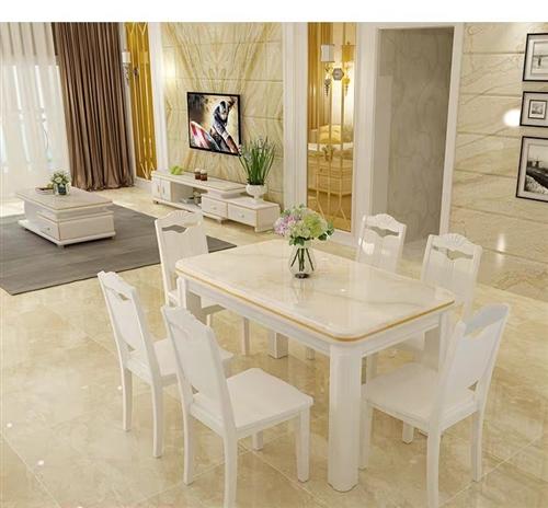 1.3m*0.8m大理石餐桌,帶4把椅子。九成新,購入未使用過。可小刀