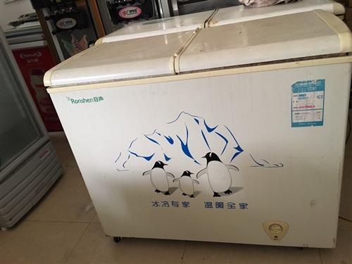 卧柜双温冷冻柜转让,制冷正常,价格450~500元。