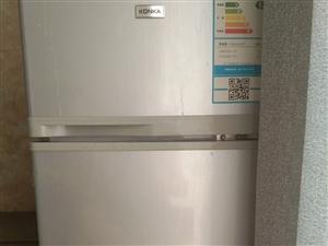 康佳小冰箱,八成新,泛华城市广场七号楼二单元