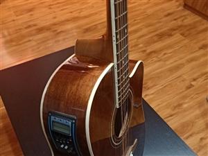 12弦吉他,有喜�g的朋友��?可以,�M�砬埔磺�,��拾音器。 12弦吉他的����:音色��M,亮��,甚至比...