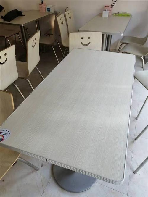 大量桌椅 沙发 冰柜 空调便宜出售