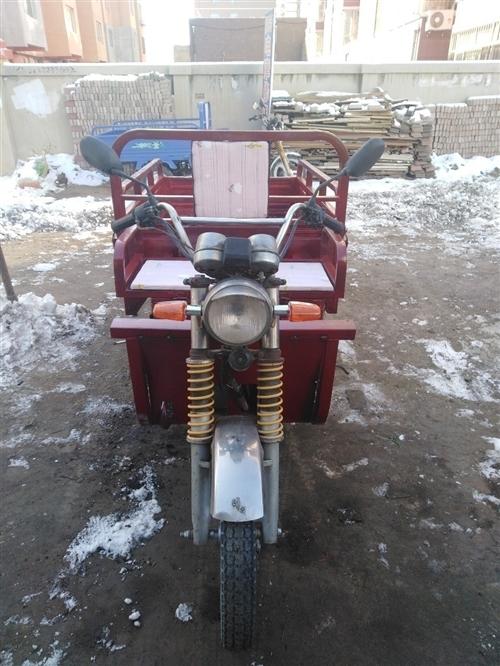 宝贝描述  两台助力三轮车出售,110.125发动机供你选择,啥毛病没有,动力十足,嘎嘎板正,有...