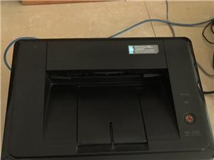 自用三星ml2241激光打印机一台。打印效果非常好都没用过多少次,一直放着,无维修,无任何问题。