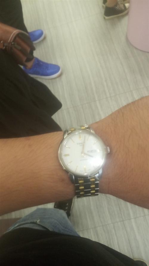 兩千多的天梭手表,現在不想帶了。三百塊出,想要的電話聯系!15120690816,微信號rjlrjl...