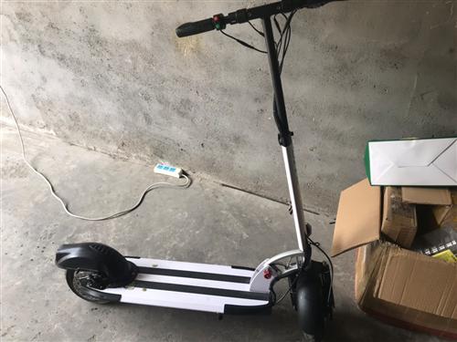电动滑板 2019年5月买的  媳妇不玩了  便宜出售