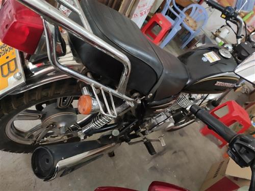 转让一部16年大子125摩托车!手续齐全。2680元!