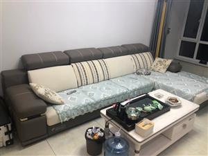 三米六的沙发出售,几乎**,买来和房间不搭,太大了,和电视墙对比是斜的,整体不匹配,想卖了换个小点的...