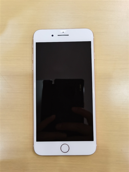 苹果8Plus 64G金色 国行三网通。全原装无拆修,所有功能完好正常吗,没有暗病 无任何问题,玩吃...