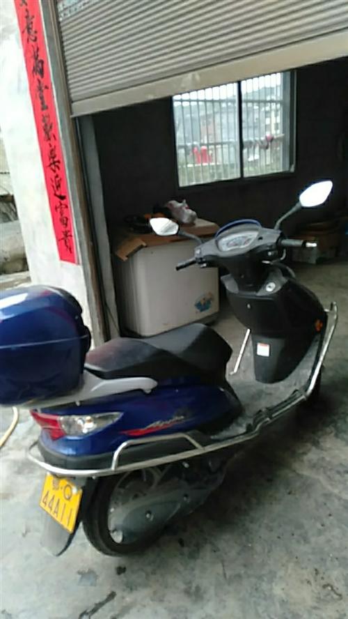 豪爵女士摩托车,刚刚跑五千公里,翔凤镇桂花树村十五组