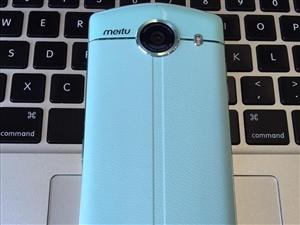 美图V4 薄荷绿4G手机,3G运行,64G内存,曾经的自拍王者,99新成色纯原机,特价:500元出,...